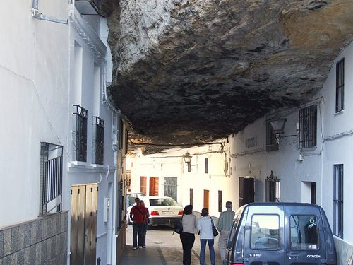 geological-miracle-town-in-rocks