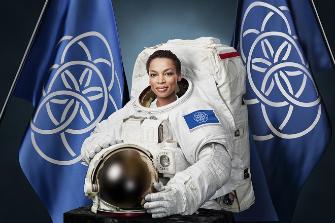 international-flag-of-earth-Astronaut_portrait