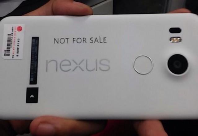 google-nexus-5-2015-vs-galaxy-note-5-specs-price