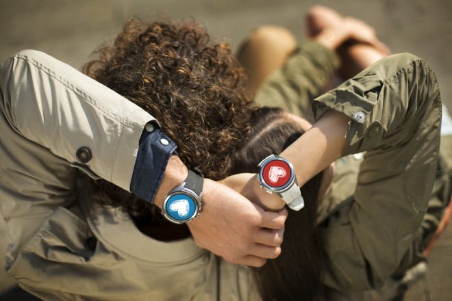 lg-watch-urbane-2015-vs-samsung-gear-s2-features-android-wear-vs-tizen