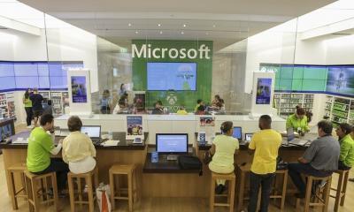 microsoft stores closing